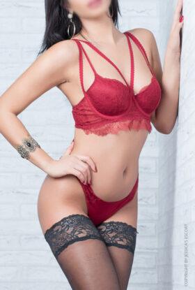Nicole La Perla
